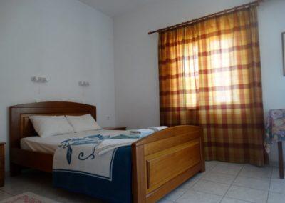 elena-05-double-bed (1)